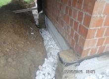 wykonanie drenażu fundamentów