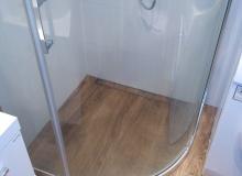 Montaż narożnej kabiny prysznicowej