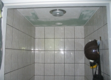 Realizacja remontu sufitu w łazience
