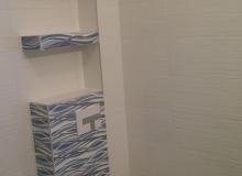 zabudowa konstrukcji wc wraz z półkami